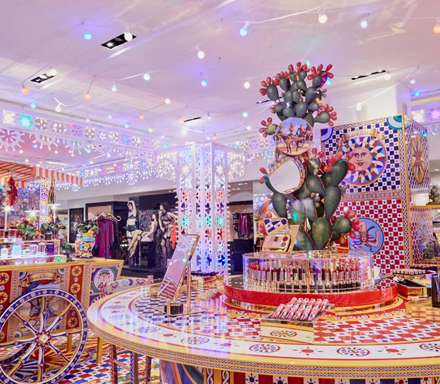 Dolce&Gabbana celebra il Natale in Rinascente