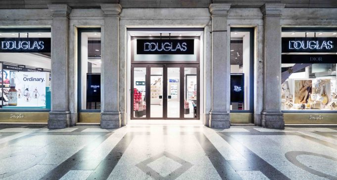 Douglas store Torino